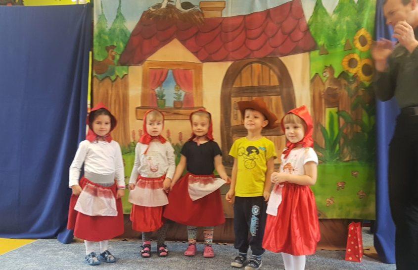 Teatrzyk o Czerwonym Kapturku