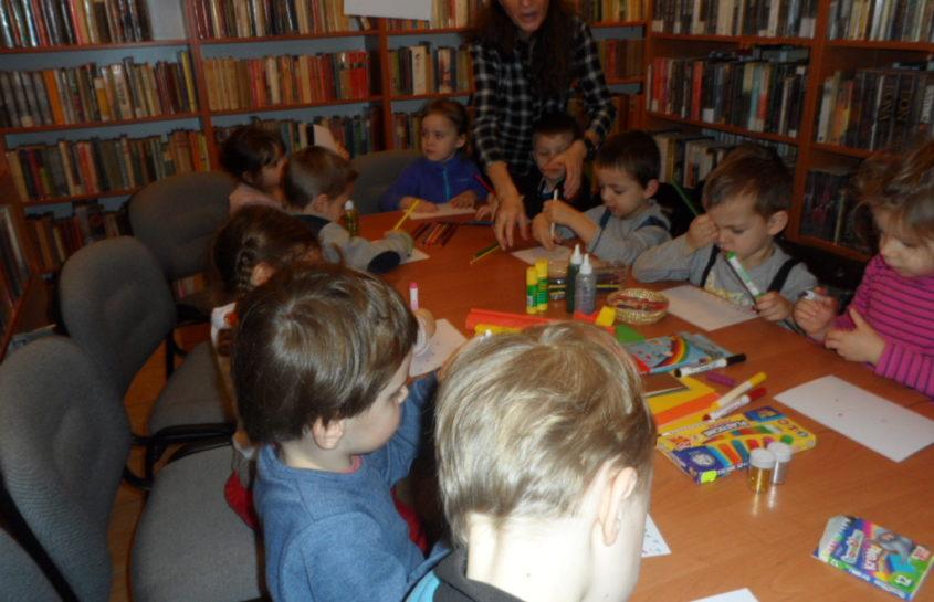 Niedźwiadki w bibliotece