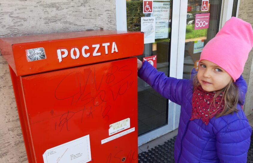 Żyrafki obchodzą Dzień Poczty Polskiej